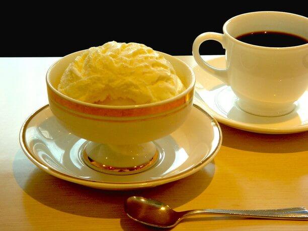 スノーロイヤルバニラアイスクリーム