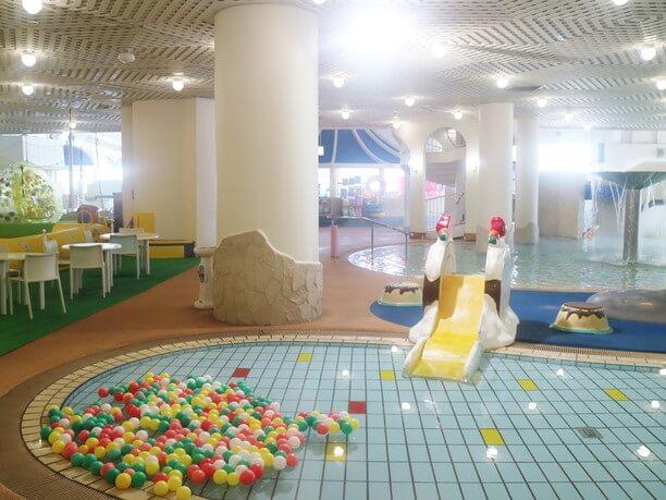 子供向け室内プール