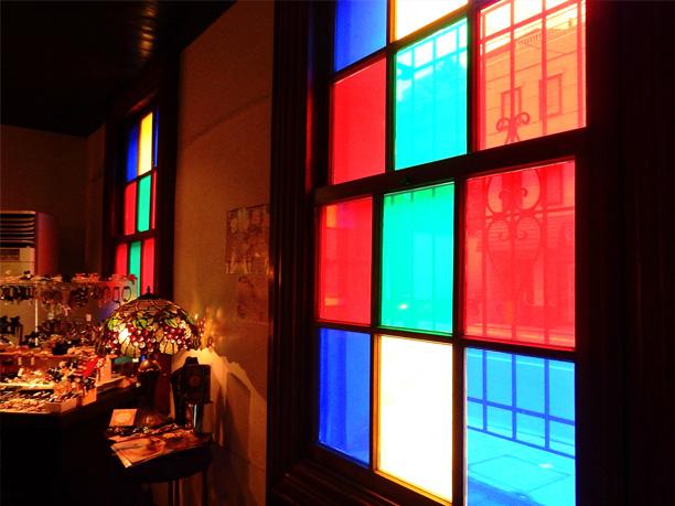 色鮮やかなガラス