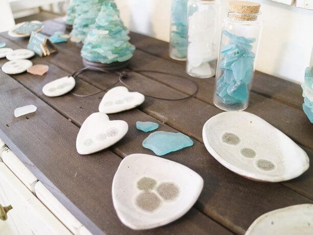 シーグラスと陶器