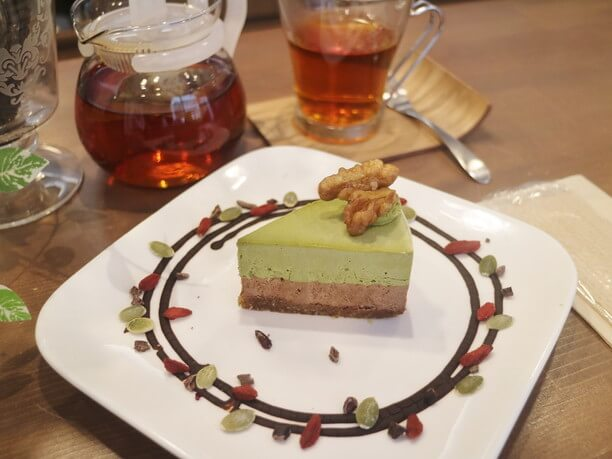 チョコ抹茶ロールケーキ