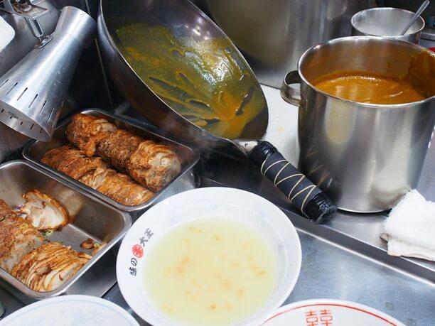 スープ・カレー・チャーシュー