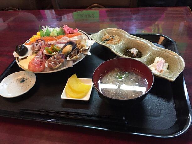 海鮮丼定食2