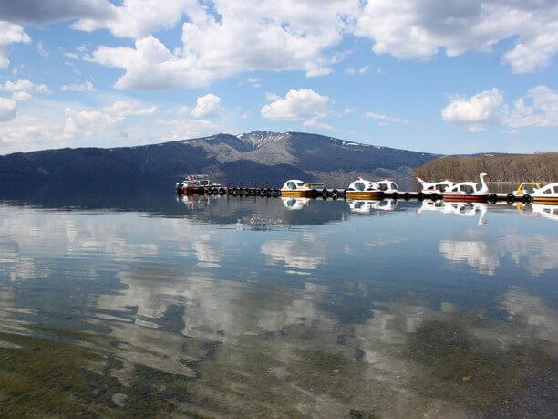 周囲約57kmの屈斜路湖