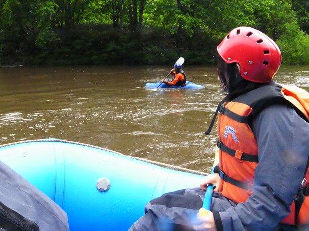 羊蹄山の湧き水が流れ込む尻別川