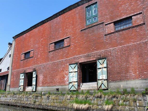 石造りの倉庫