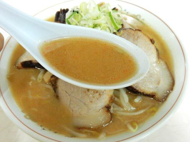 レンゲにミソスープ