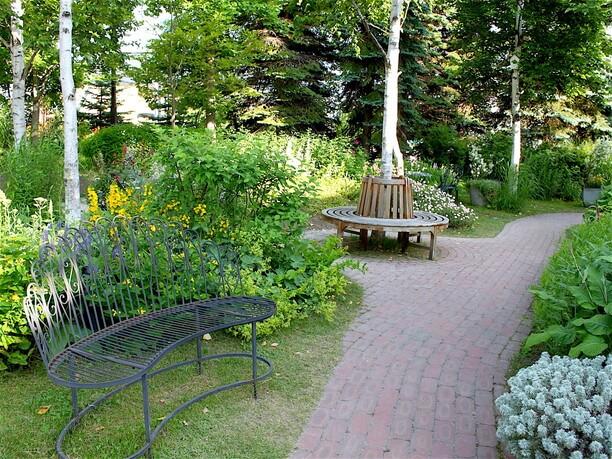 あちこちにある可愛いベンチ