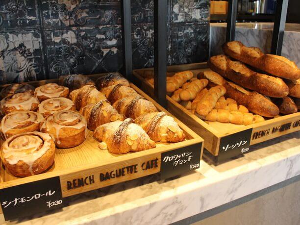 自社工場で製造したパン
