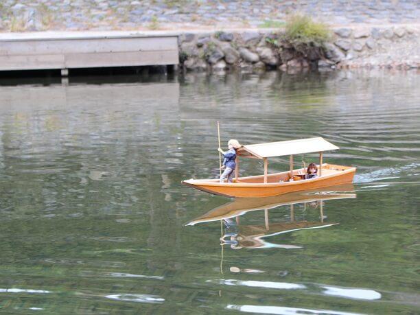 ミニチュアの屋形船