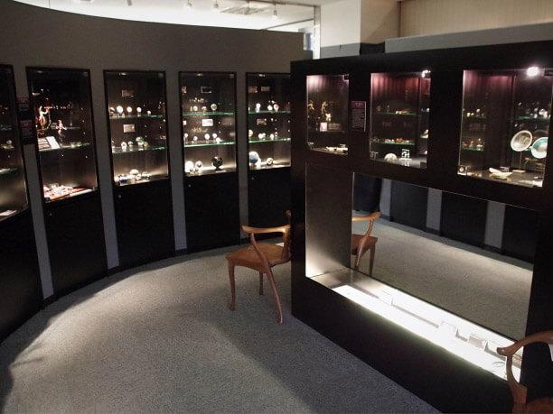 ミュージアムに収蔵されているガラス工芸品