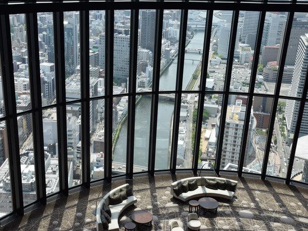 地上200メートルの高さから見下ろす土佐堀川