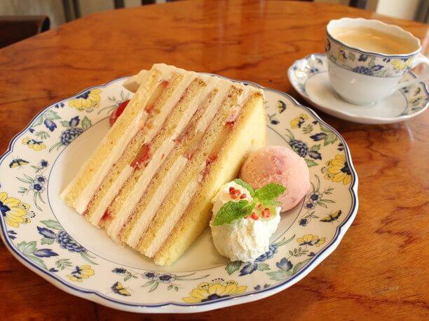 本店特製ショートケーキ