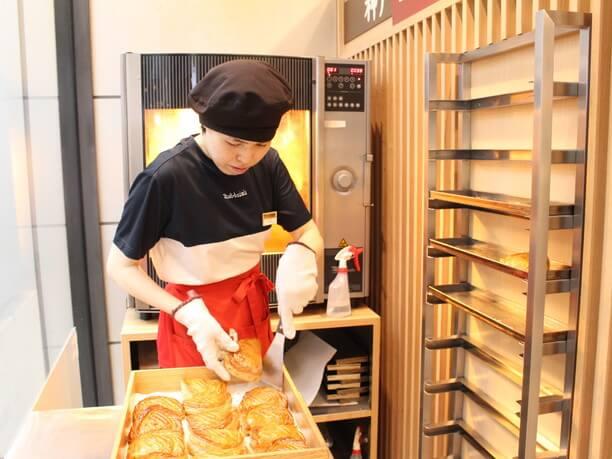 オーブンで焼かれたパイ