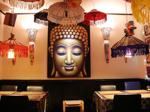 大きな仏像の絵