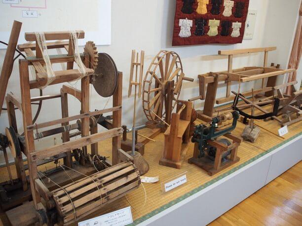 糸をつむぐ機械