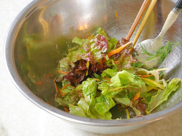 鮮やかな野菜を使った料理
