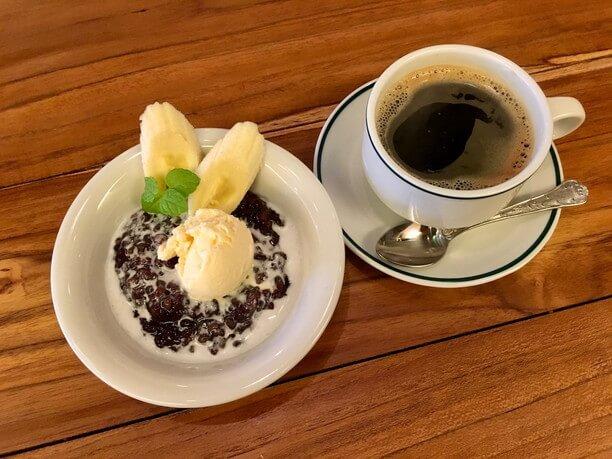 ブラックライスプディングとコーヒー