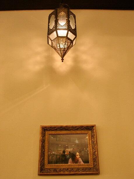 バリ島で作られたランプ