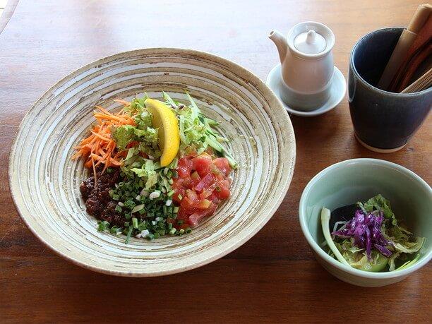 今帰仁野菜と島豚のジャージャー麺