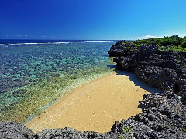 西岸の「屋良の浜」