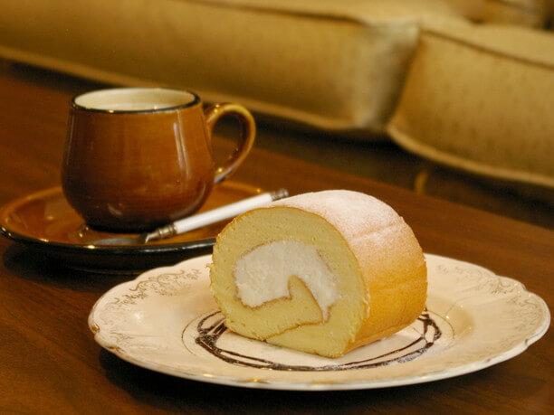 チャイとロールケーキ