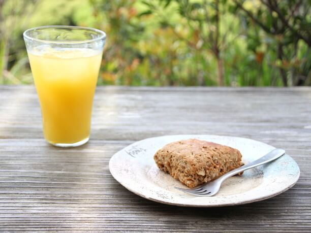 オレンジジュースとマフィン
