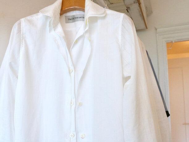 定番白シャツ