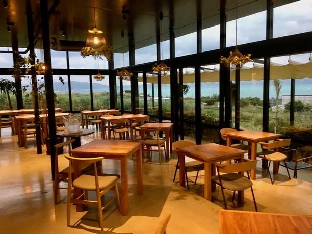 雄大な景色とおいしい料理となる空間