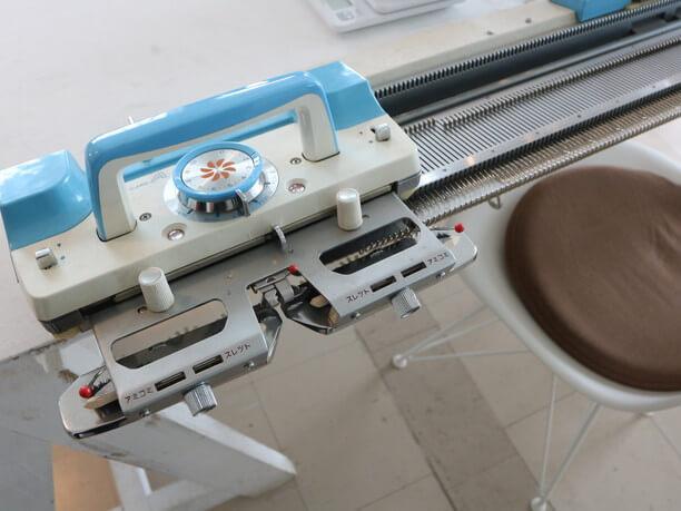 ニット編み機