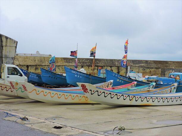 ハーリーで使われるサバニと呼ばれる船