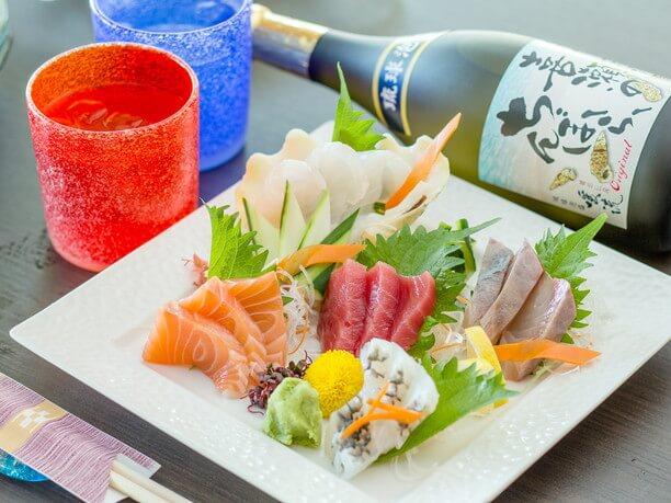 新鮮な魚だけを贅沢に使ったお造り五種盛り