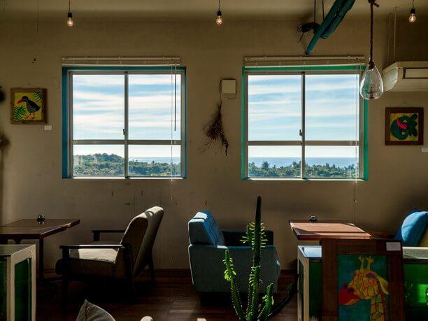 窓から眺める東シナ海
