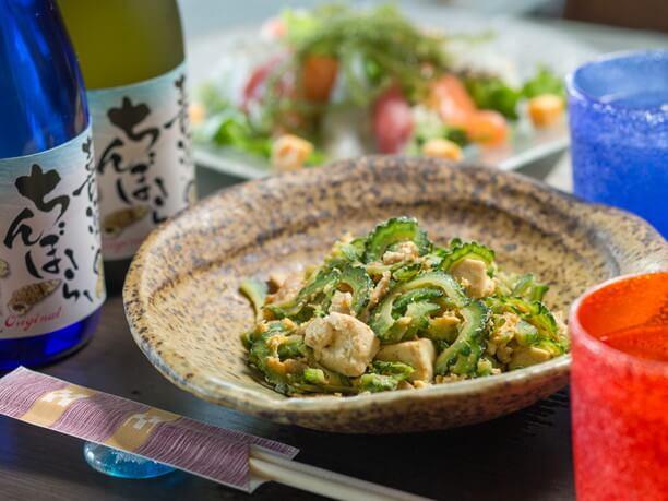 沖縄料理の代名詞、シンプルなゴーヤチャンプルー