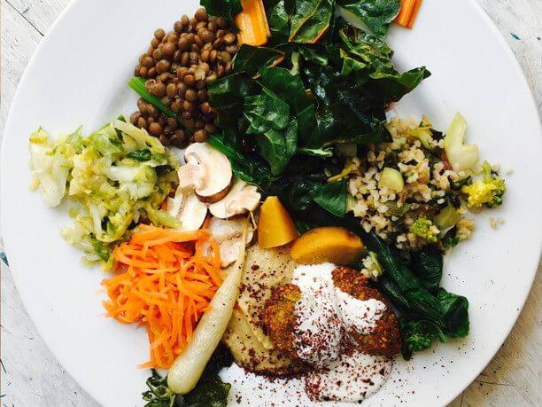 野菜の惣菜盛り合わせ