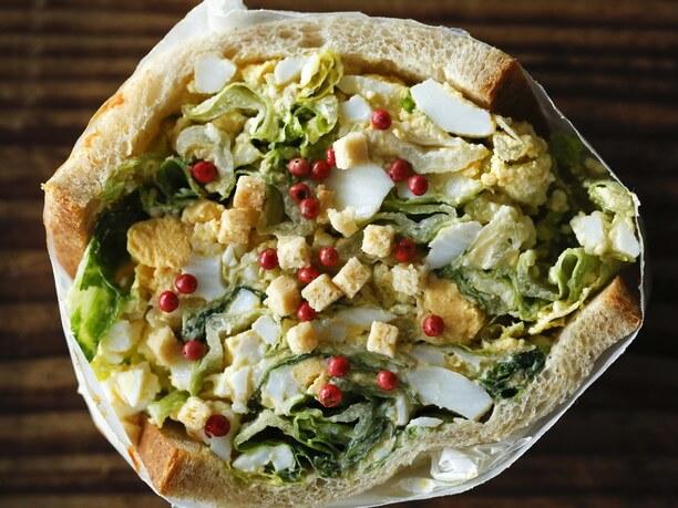 野菜たっぷりビジュアル系サンドイッチ