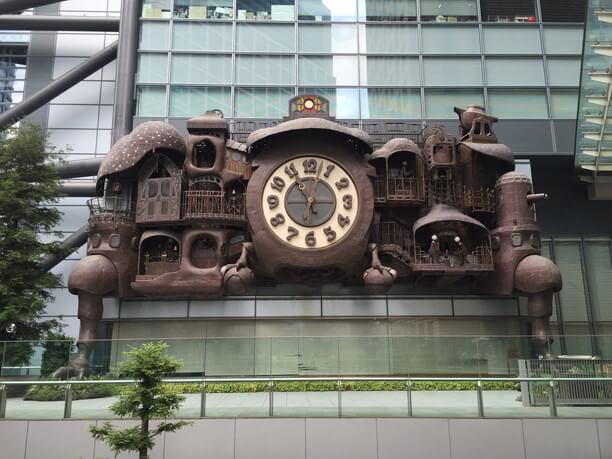 宮崎駿デザイン「日テレ大時計」