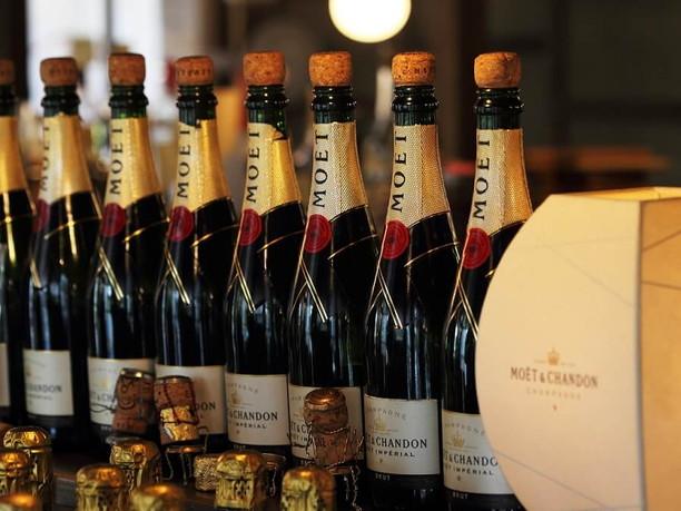 お祝いごとやパーティーには欠かせない飲み物「シャンパン」